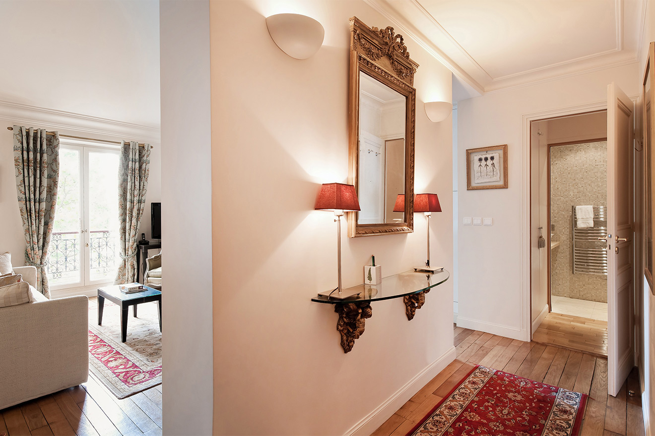 Entrance to the Saint Amour vacation rental offered by Paris Perfect