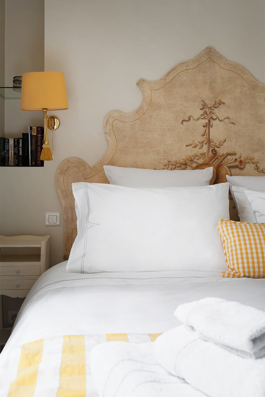 Luxurious linens in the Saint Julien vacation rental offered by Paris Perfect