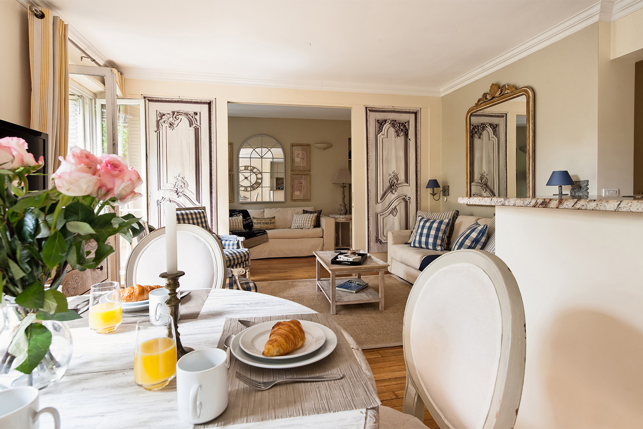 Enjoy dining in the comfort of home at the Saint Julien vacation rental offered by Paris Perfect