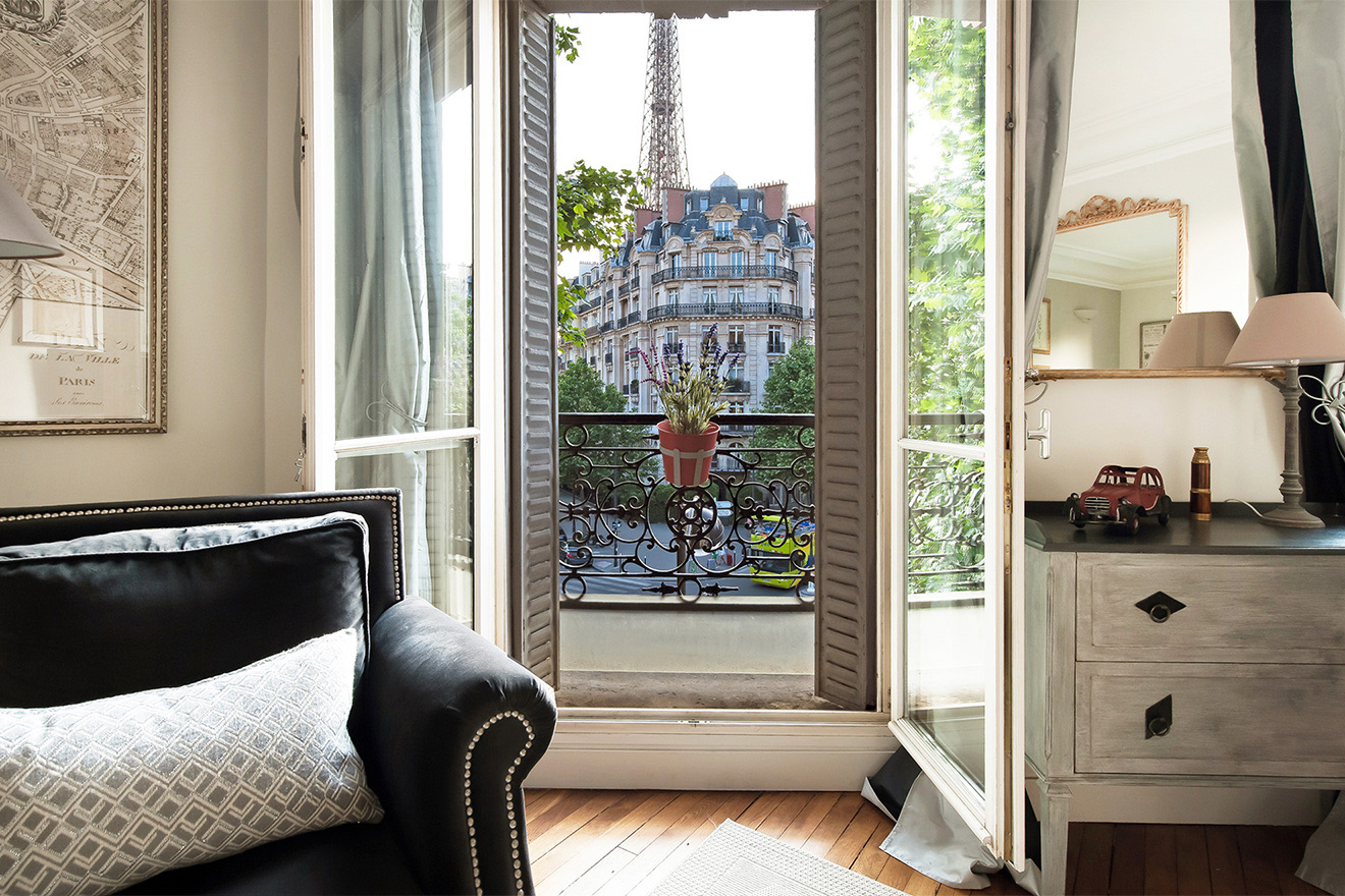 Soak in the Paris atmosphere in the charming 7th arrondissement from the Volnay vacation rental