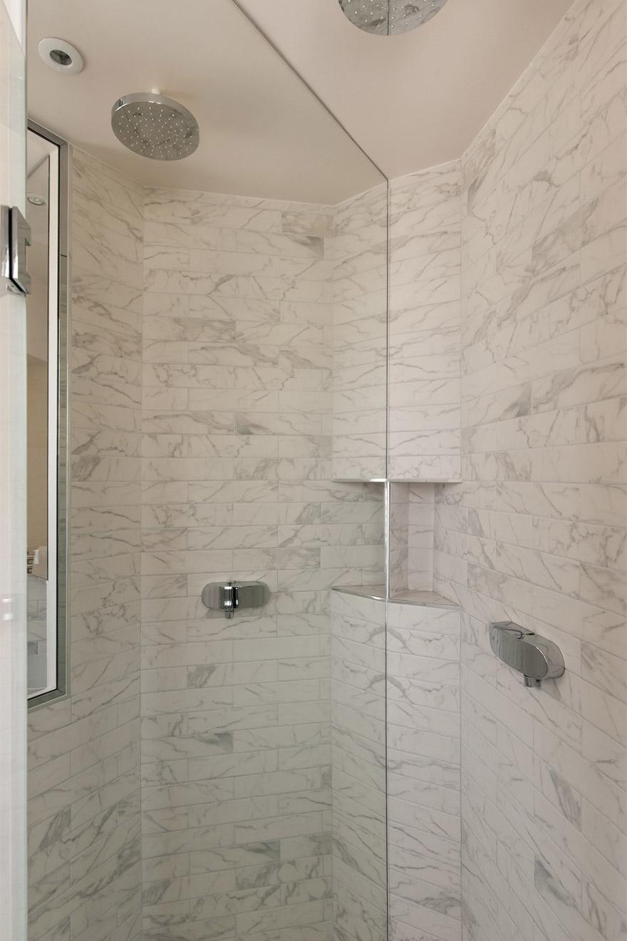 Aloxe shower