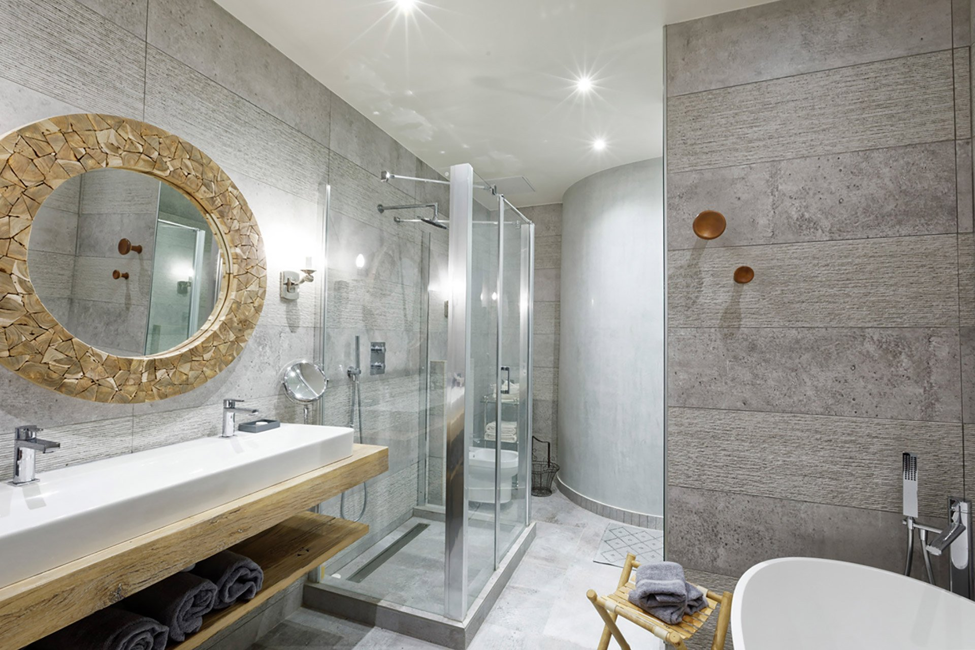 Large modern bathroom ensuite to bedroom one in the Bailly Paris vacation rental