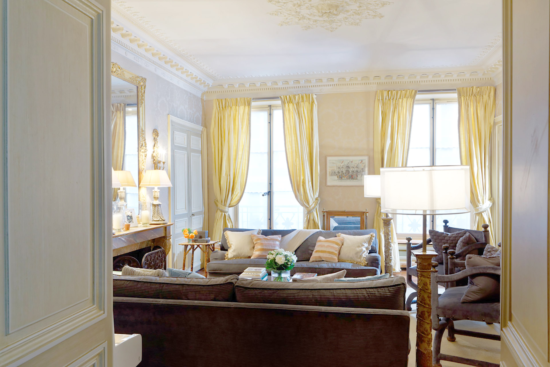 Welcome to the sumptuous Bailly Paris apartment
