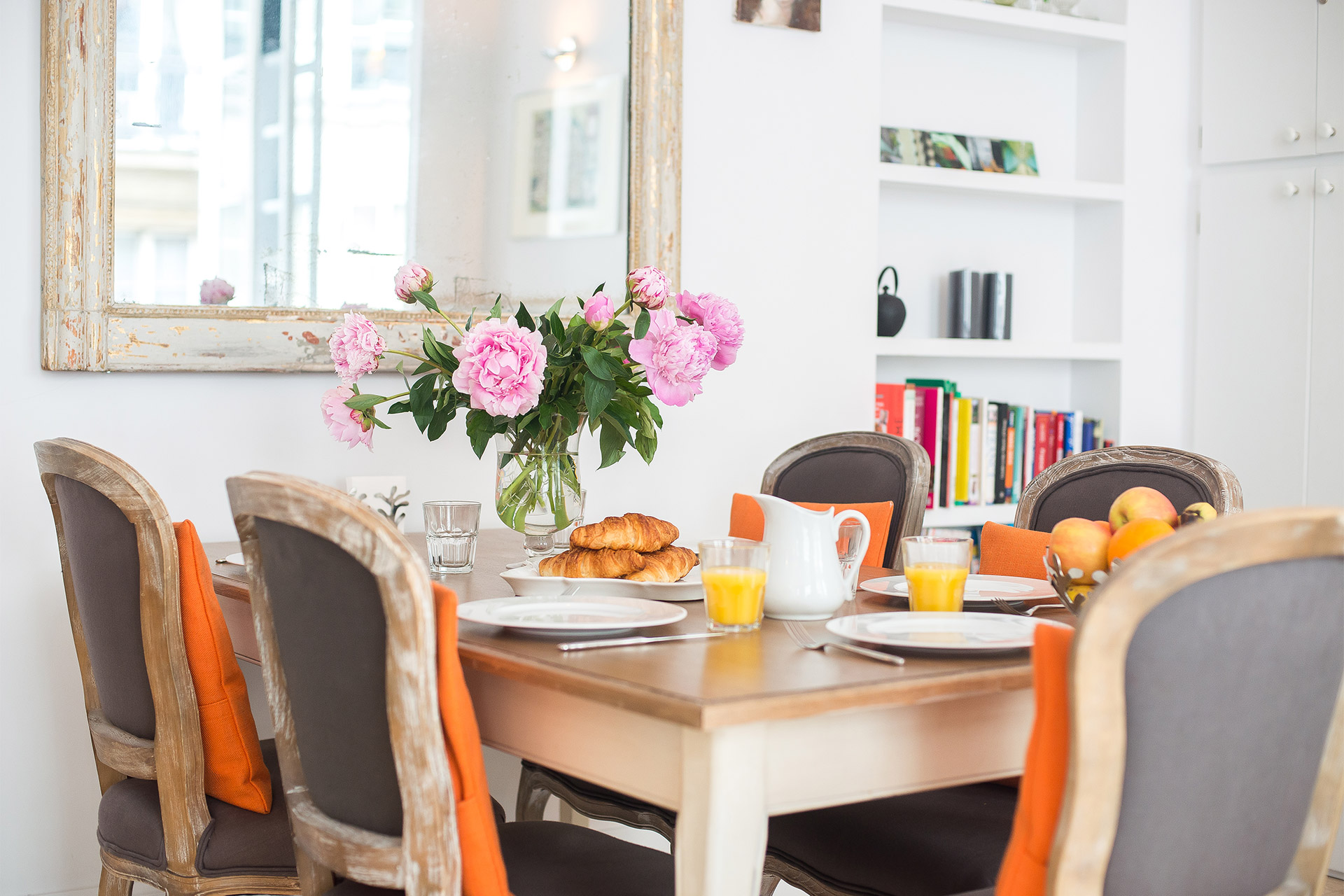 Dining table comfortably seats 6 people in the Bel-Air vacation rental offered by Paris Perfect