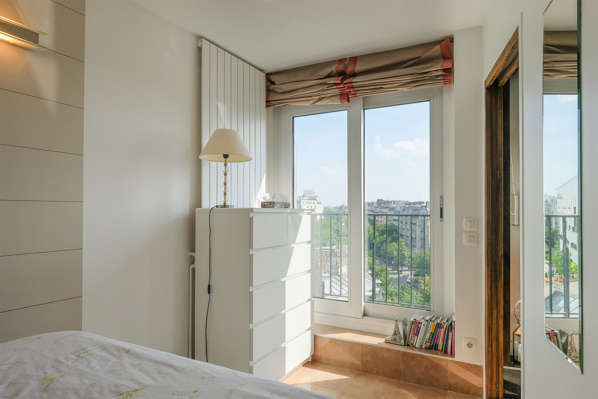 Bordeneuve Paris Perfect rental with beautiful open views from the bedroom