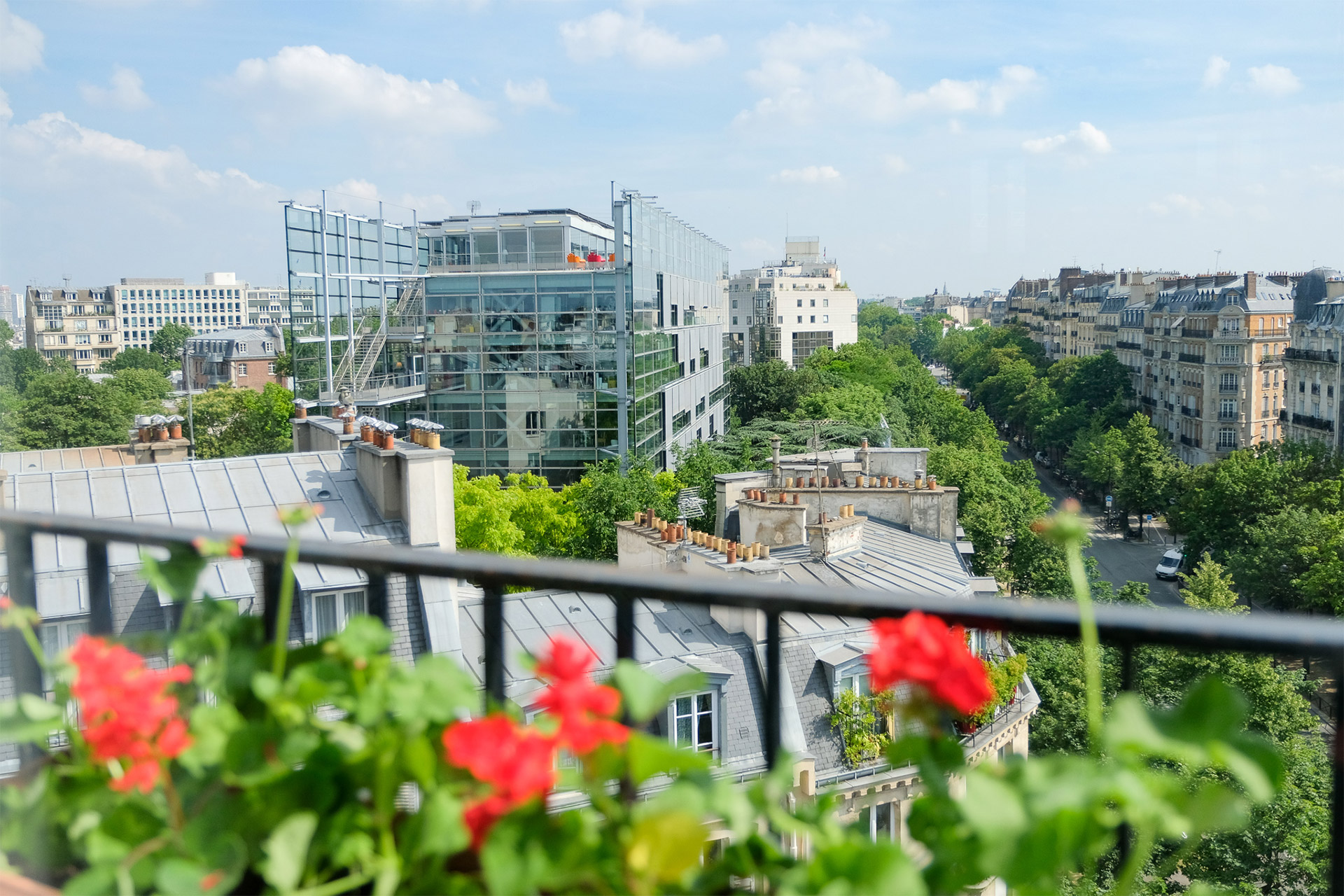 Bordeneuve Paris Perfect vacation rental offers unique Parisian views