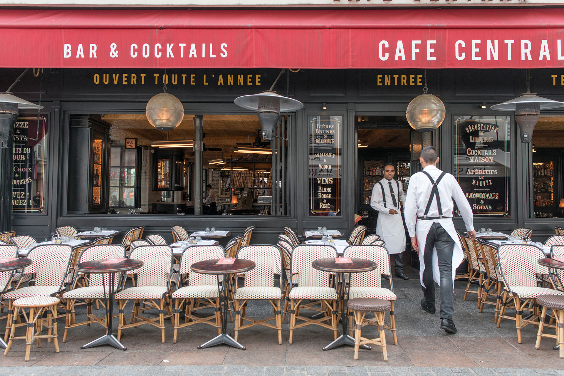 Dine out at one of the many sidewalk cafes or restaurants