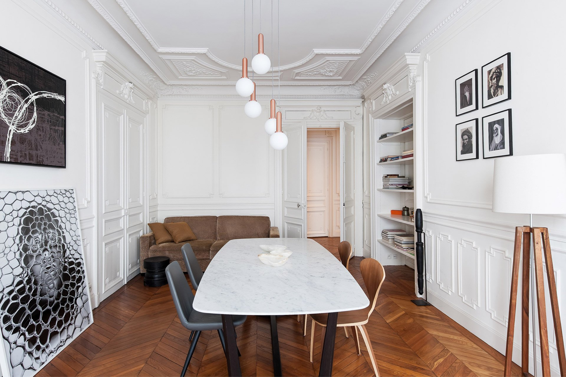 A Parisian dinner party waiting to happen in the Cavailles Paris Perfect rental