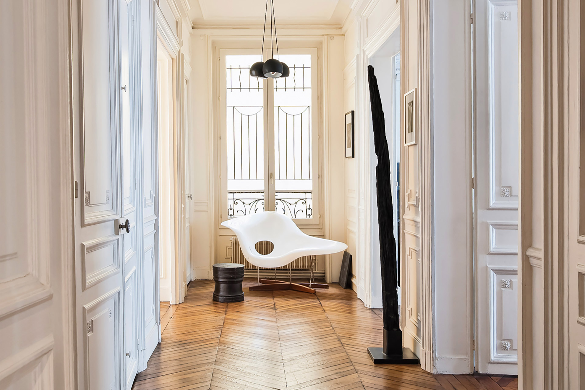 Elegant hallway in the Cavailles Paris apartment