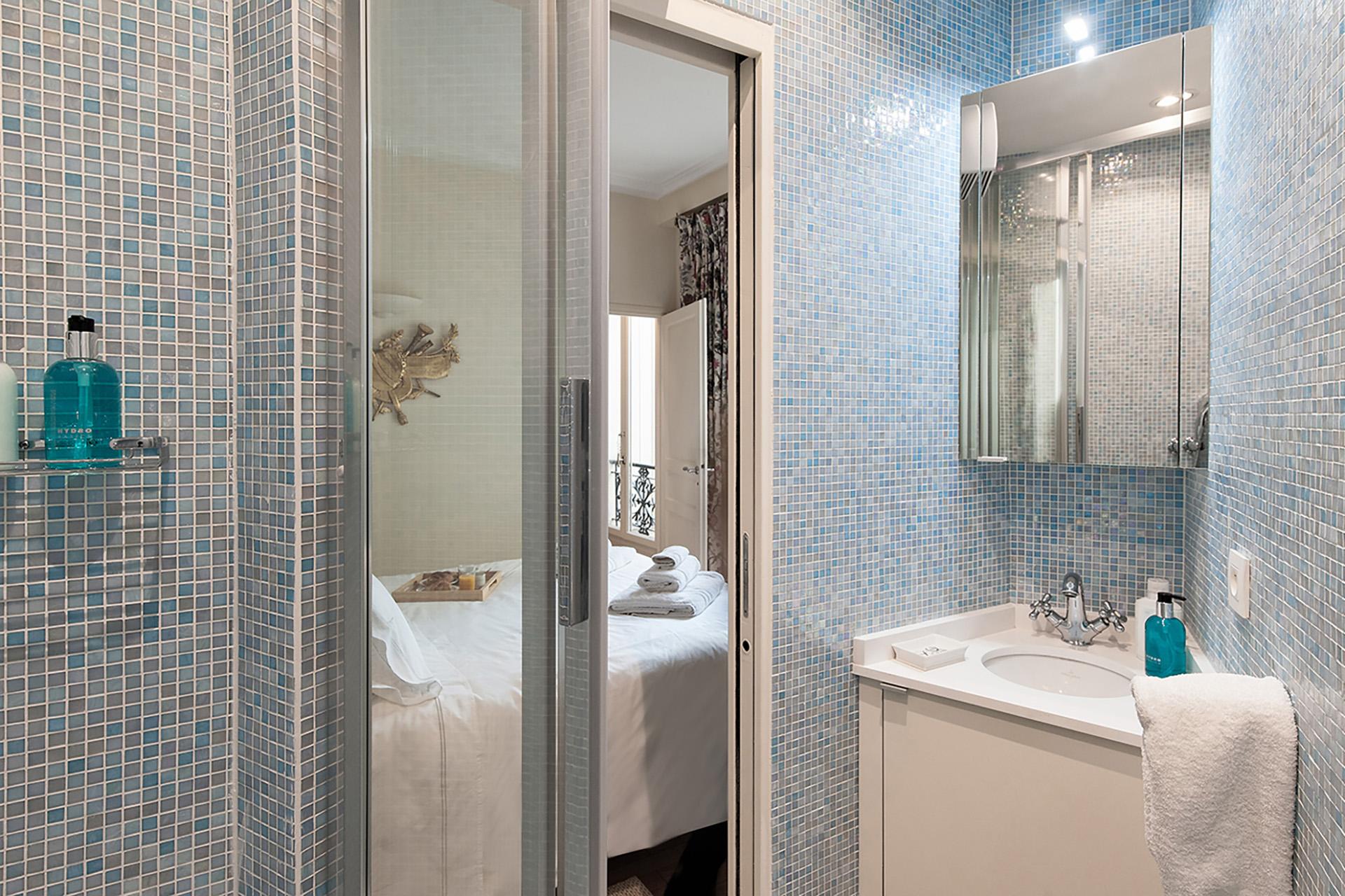 Shower in the ensuite bathroom.