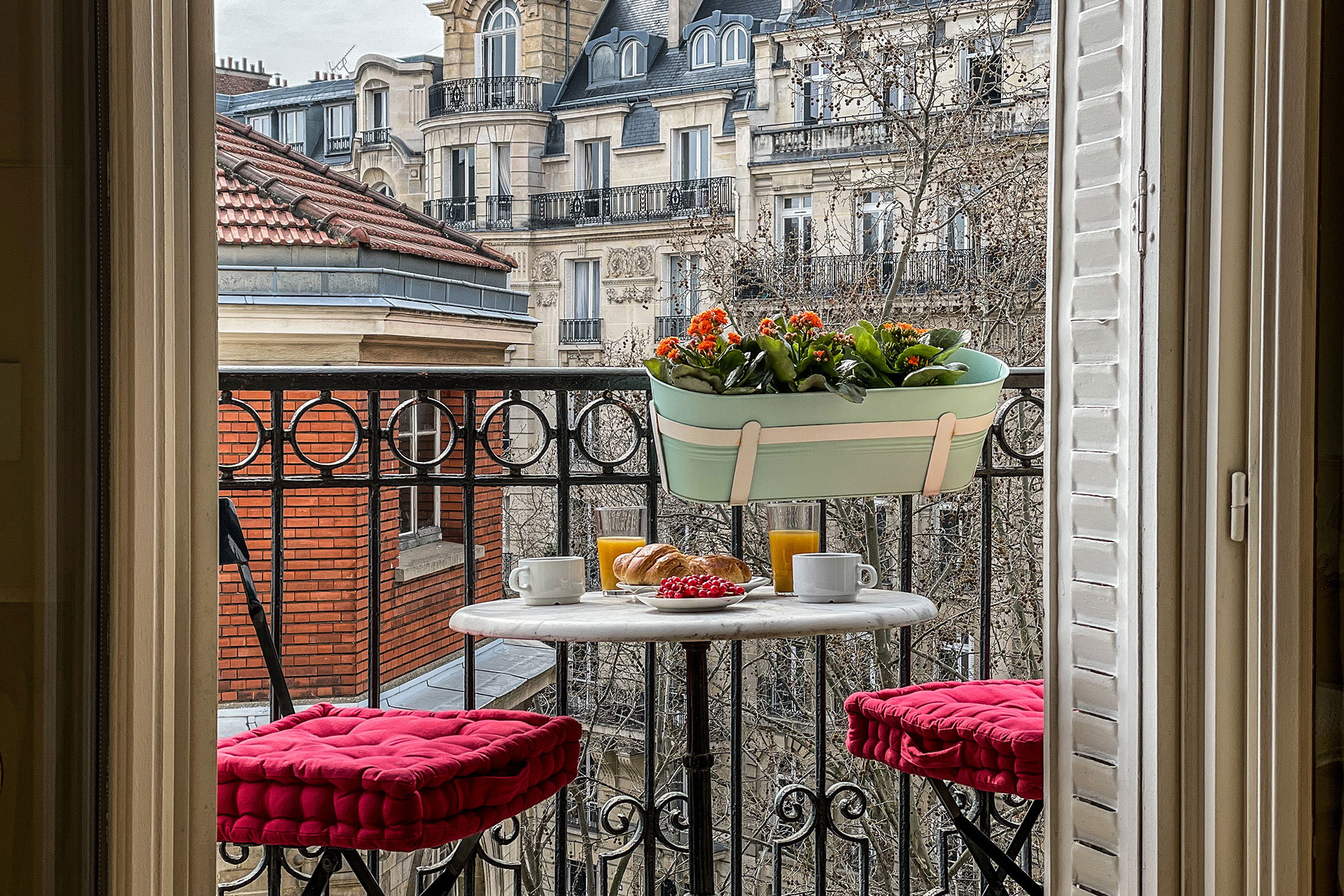 Enjoy breakfast on the long balcony with views of the Champ-de-Mars and Eiffel Tower.