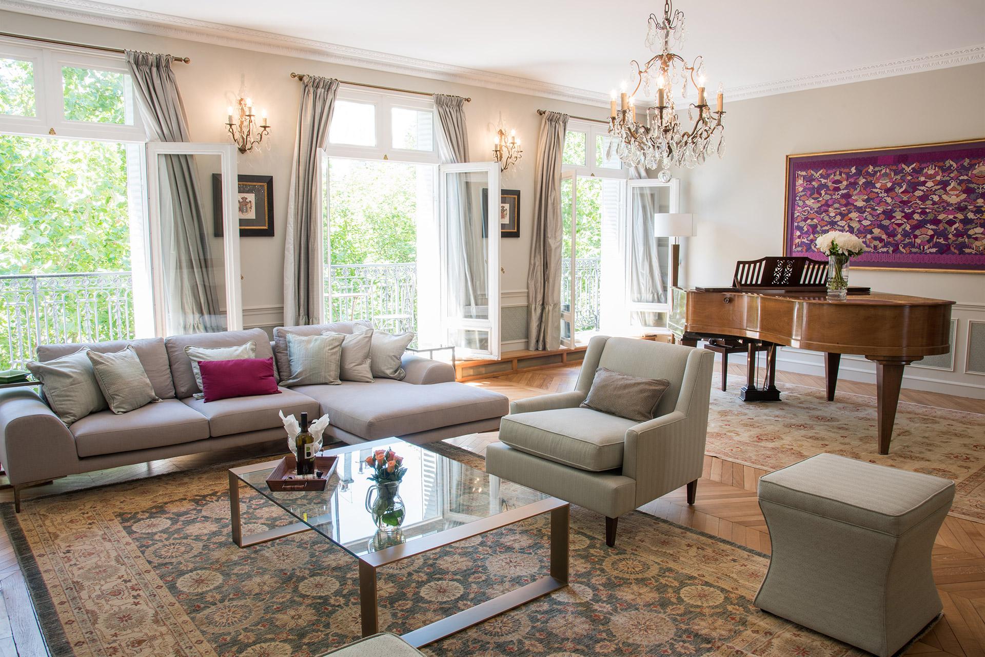 Luxury Three Bedroom Paris Apartment for Rent
