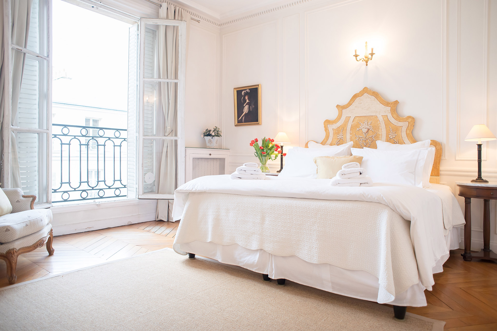 Gracious first bedroom with queen bed in the Chateauneuf vacation rental offered by Paris Perfect