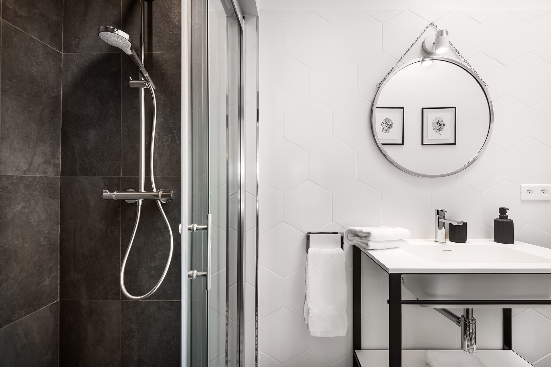 High-end bathroom 3 in the Chevalier vacation rental by Paris Perfect