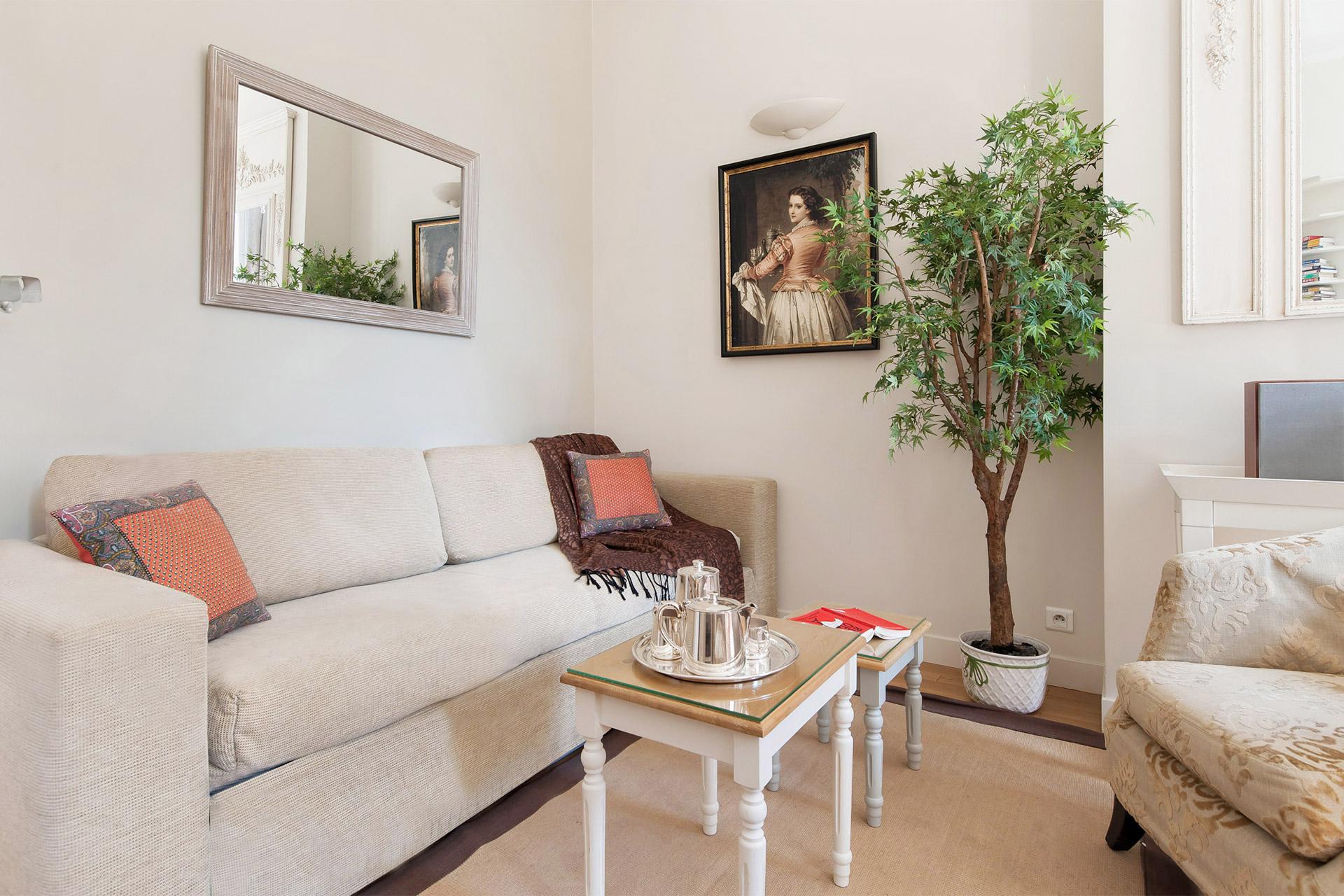 Corent Paris apartment