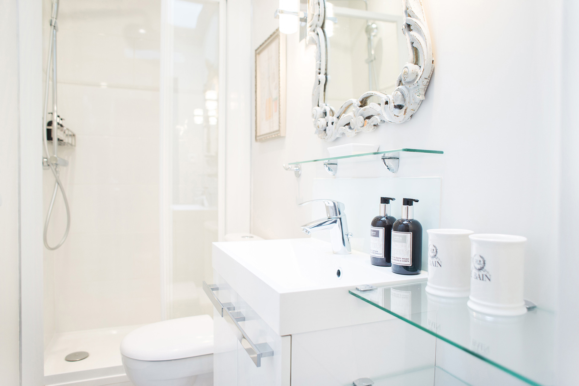 Fully remodeled bathroom with shower, toilet and sink in the Cremant vacation rental