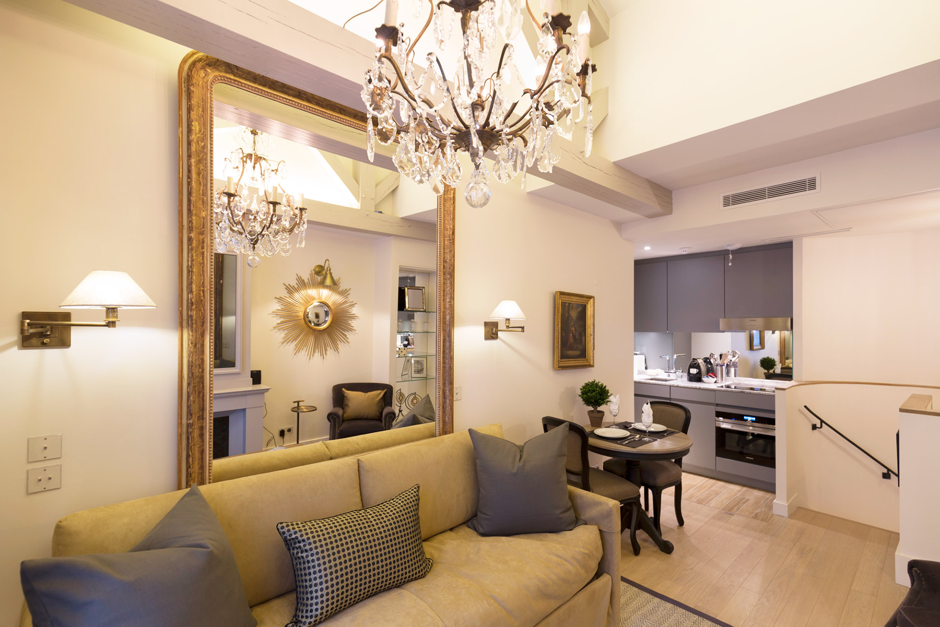Open plan living and dining area of the Monbazillac vacation rental offered by Paris Perfect