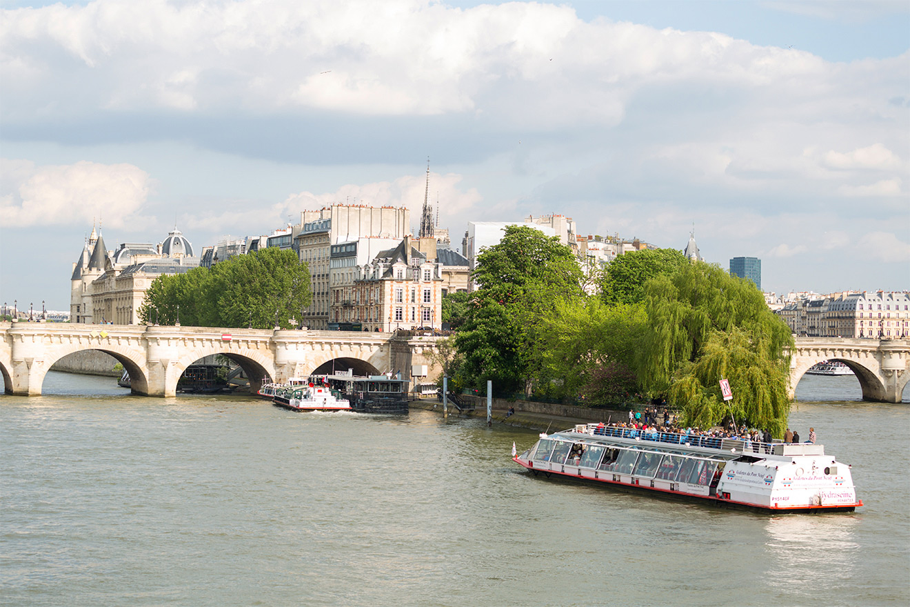 Romantic Seine River Paris