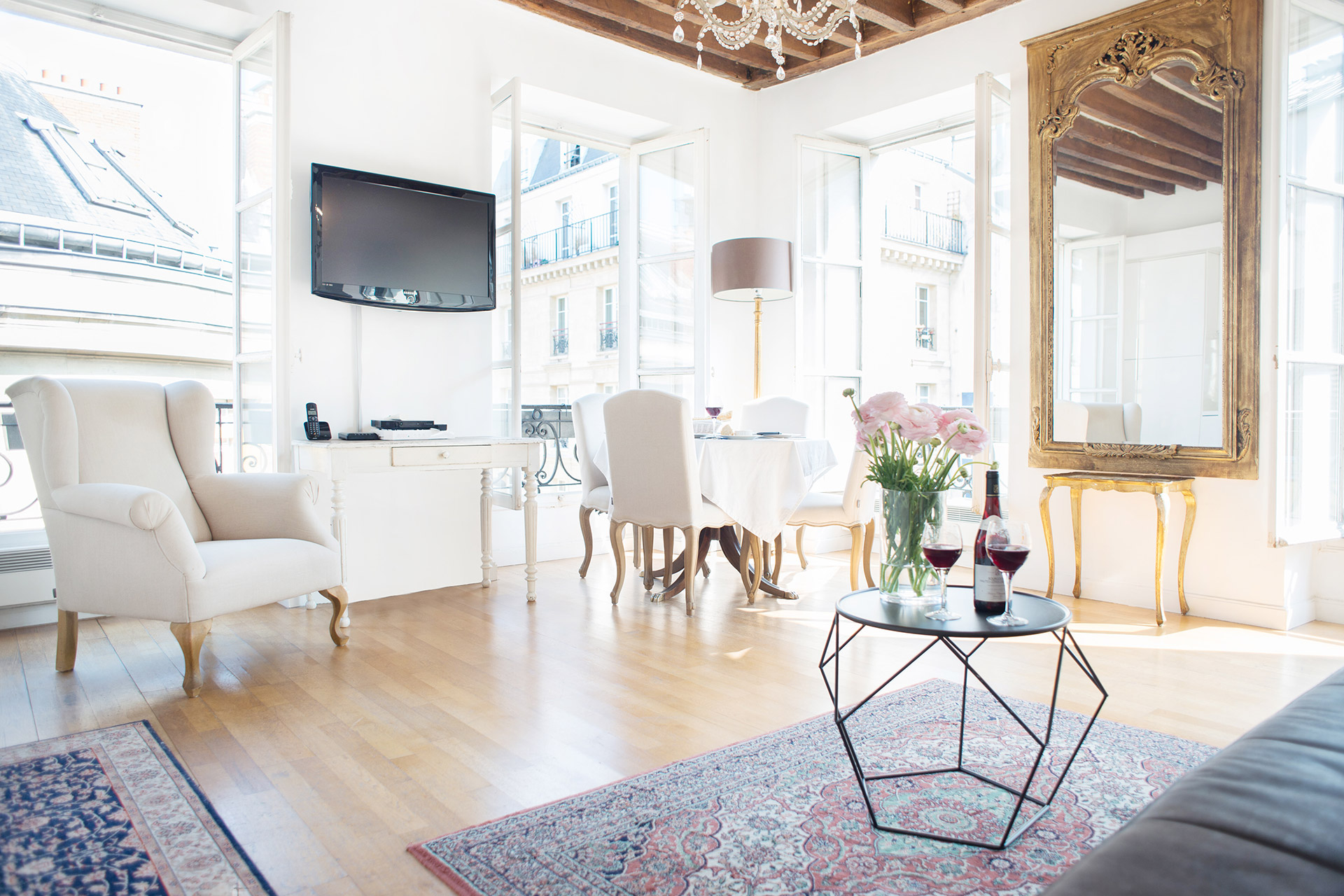 Seating area in the Forez vacation rental offered by Paris Perfect