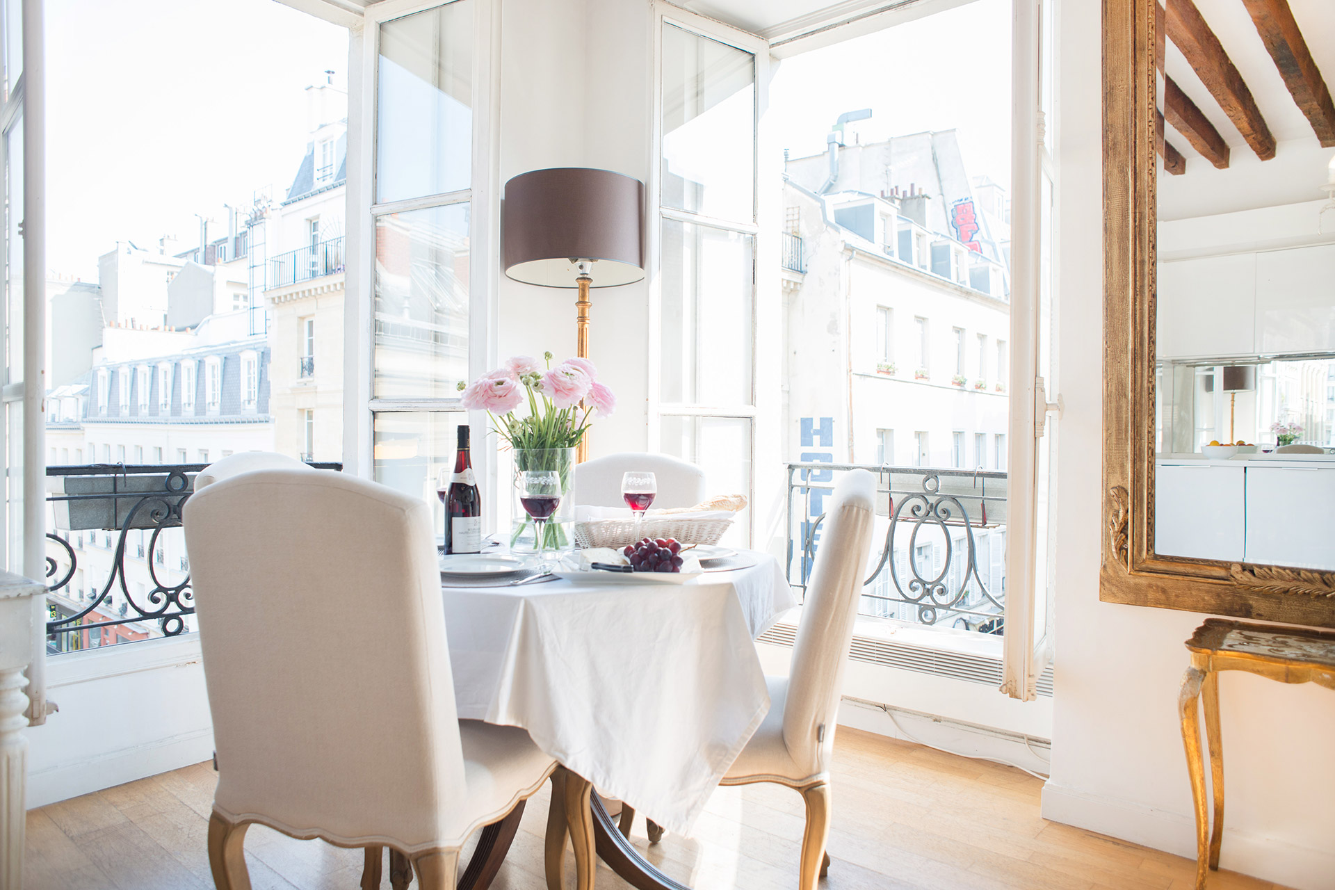 Dining table in the Forez vacation rental offered by Paris Perfect