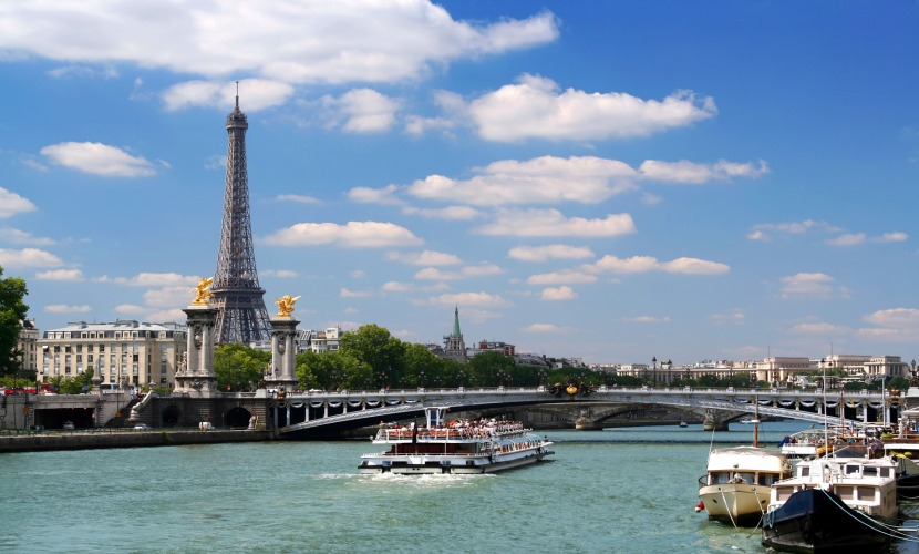 See the sights of Paris on a Seine boat tour