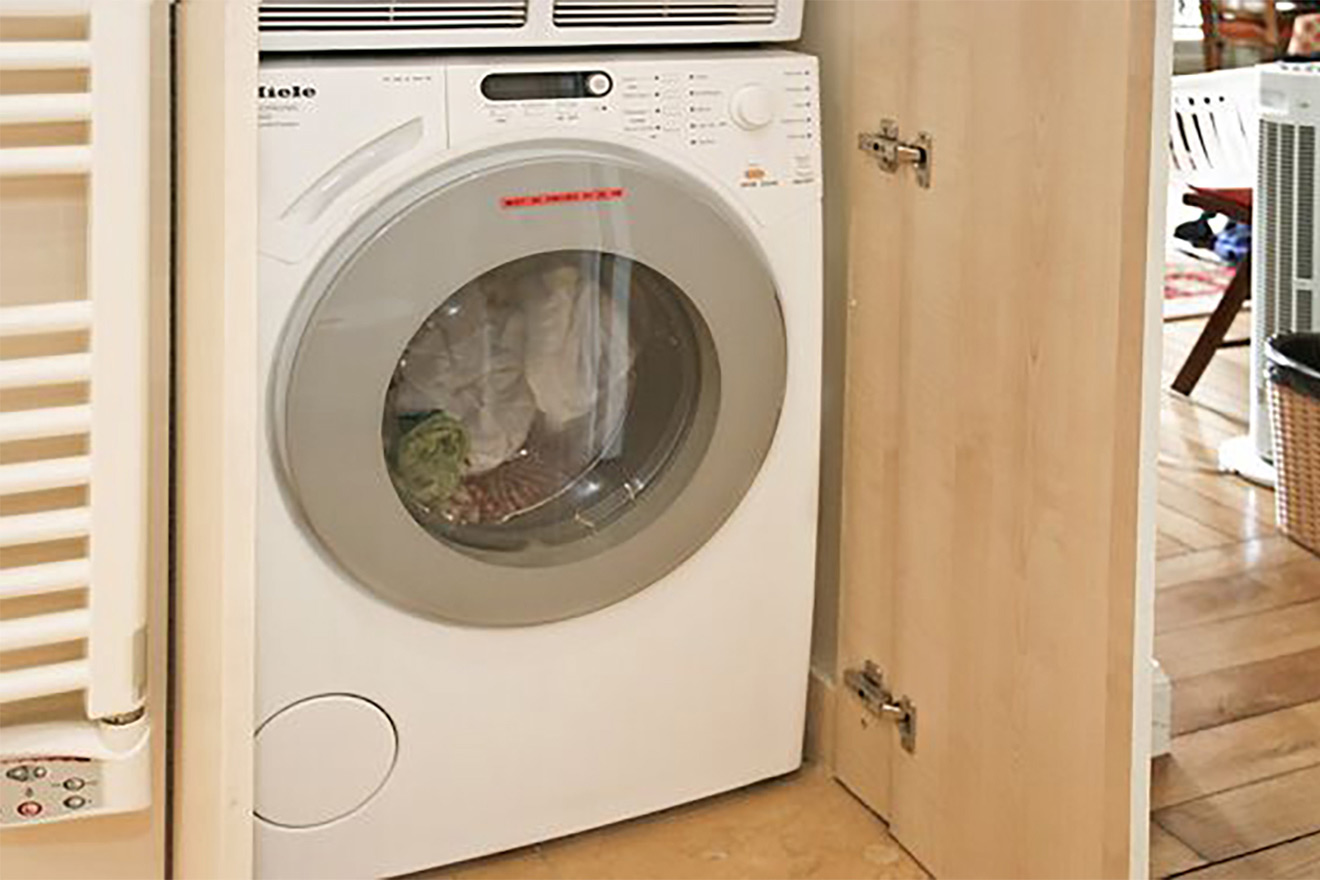 Miele washing machine in the Saint Amour vacation rental offered by Paris Perfect