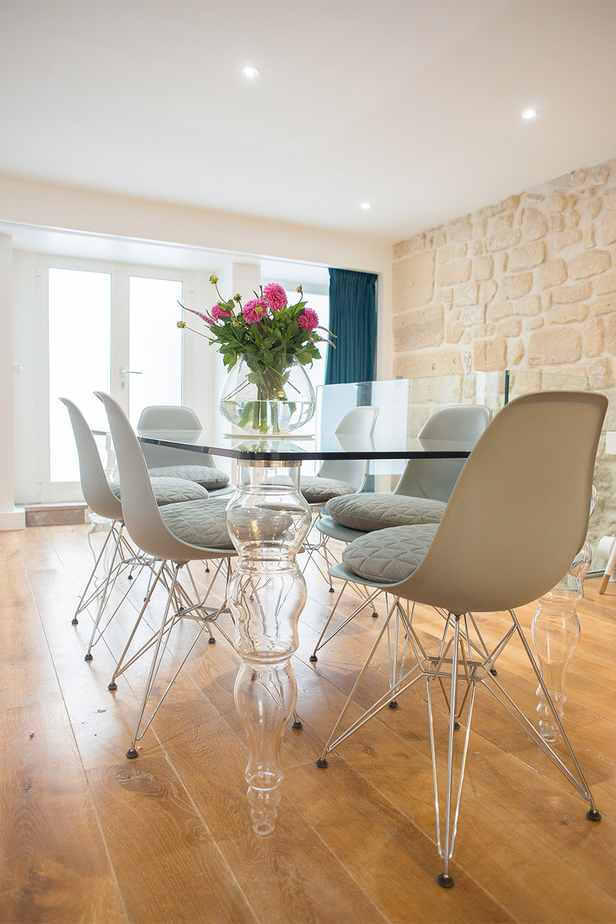 Dining table at Paris Perfect's Lascombes rental comfortably seats 6 people
