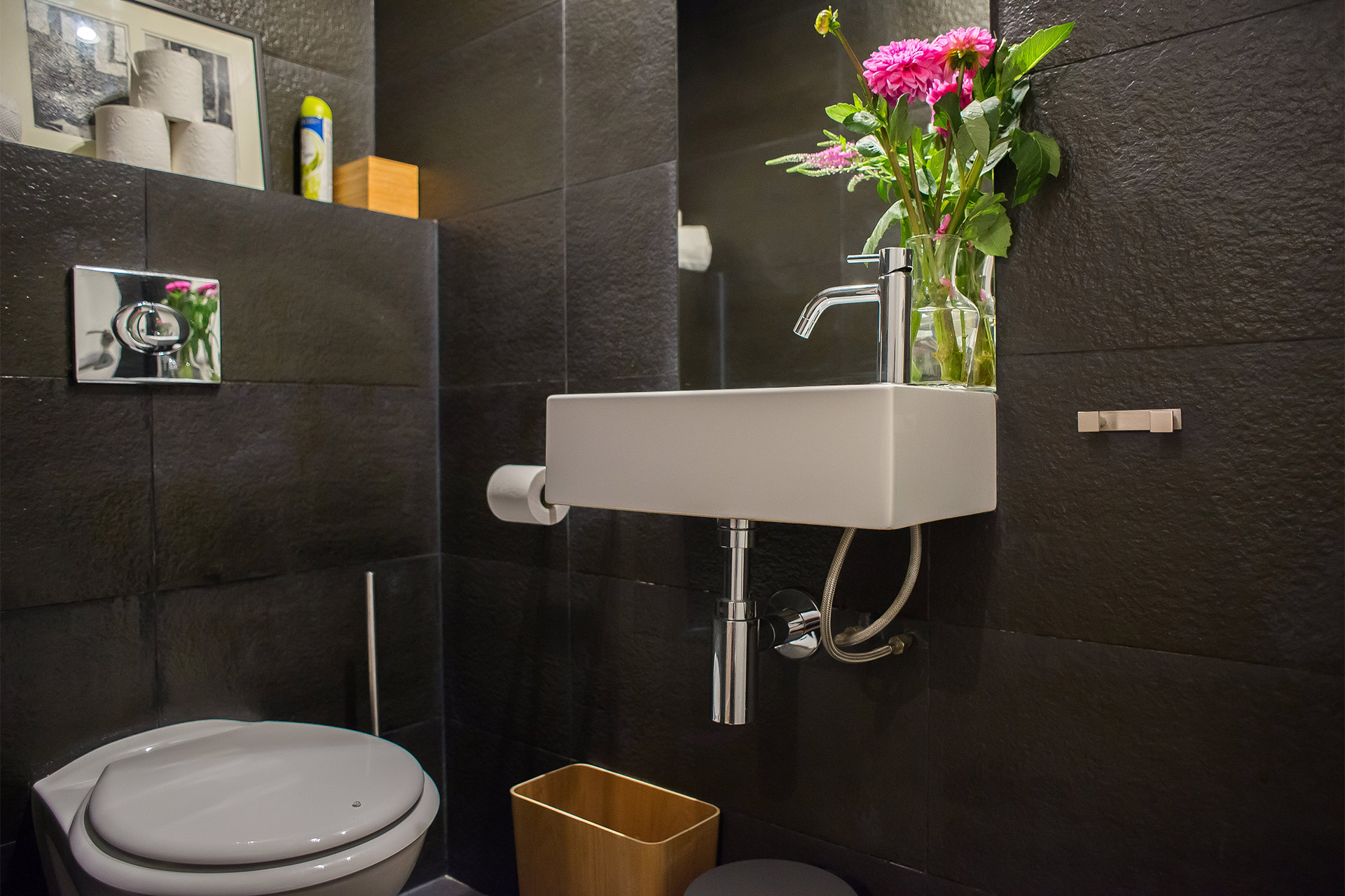 Separate half bath between the master and second bedrooms in the Lascombes rental