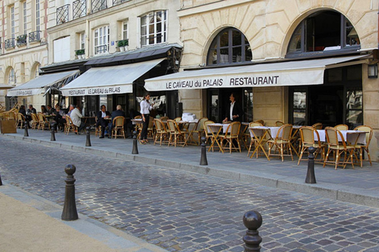 The fabulous Le Caveau de Paris on Place Dauphine