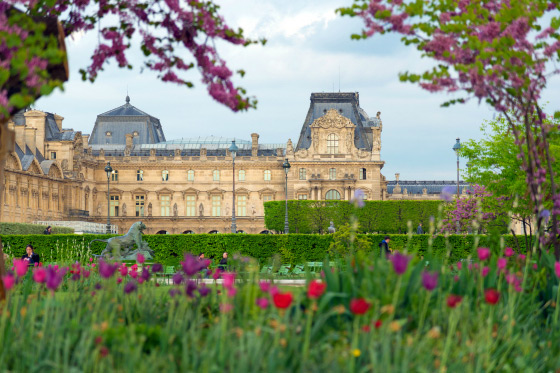 Stroll across the Pont Neuf to the Louvre Museum in minutes