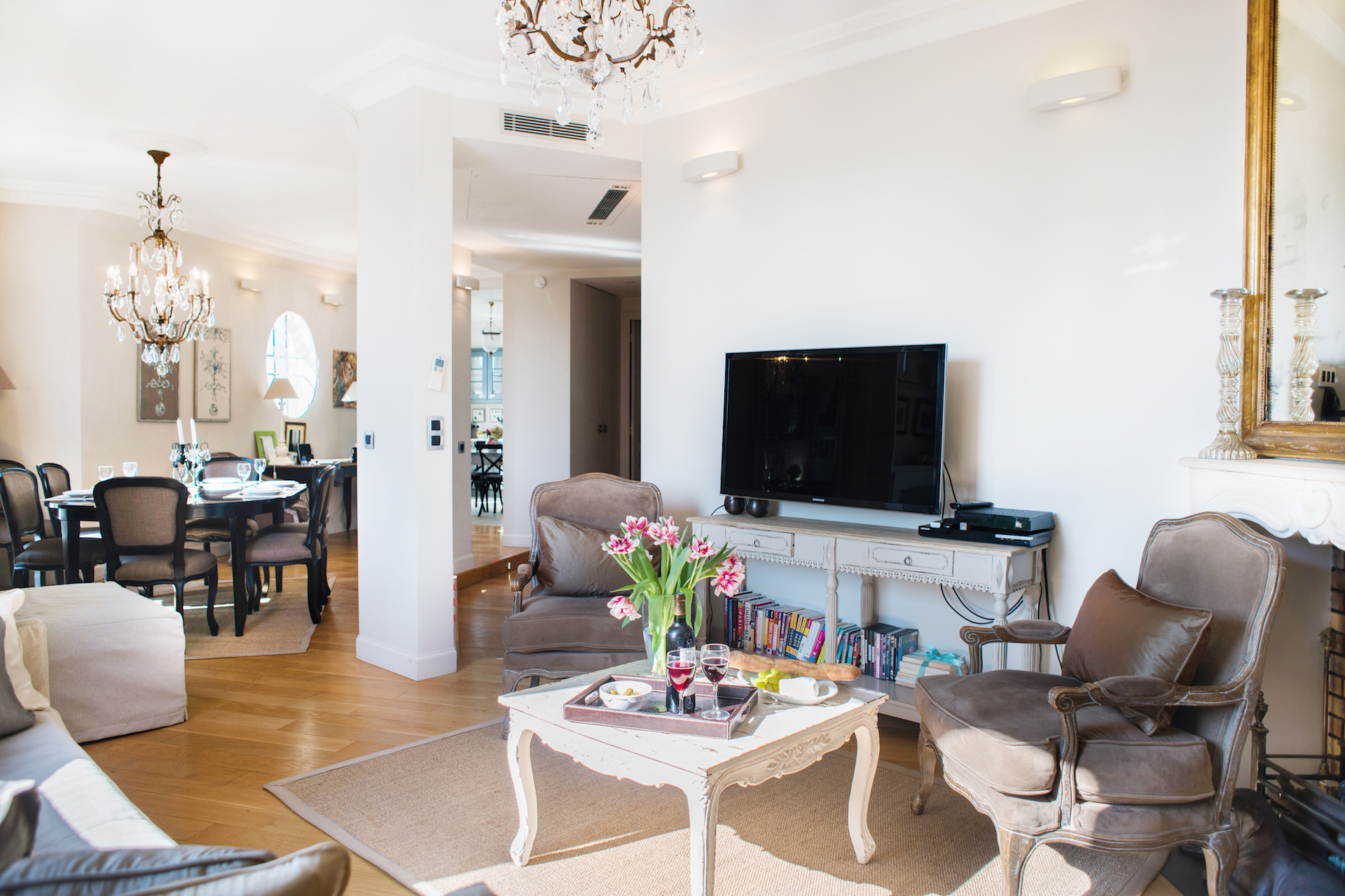 Beautiful living areas with oak floors in the Margaux vacation rental offered by Paris Perfect