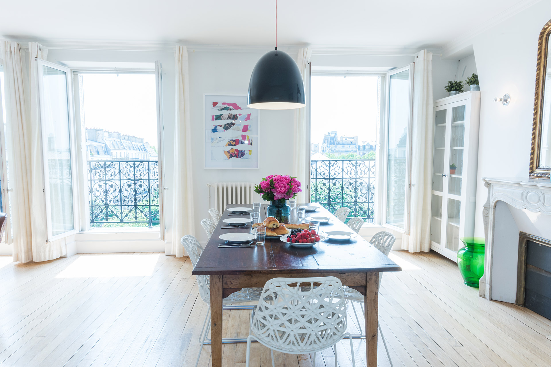 Dining area perfect for entertaining in the Mondeuse vacation rental offered by Paris Perfect