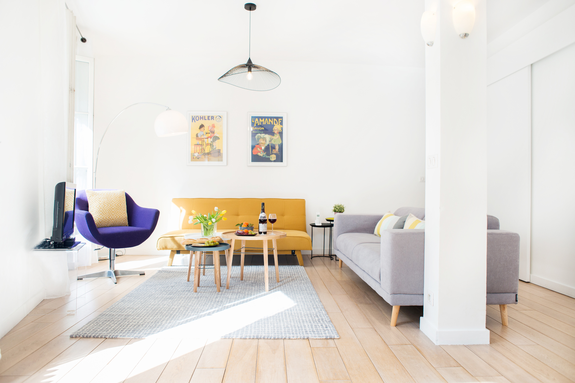 Bright living room of the Monplaisir vacation rental by Paris Perfect