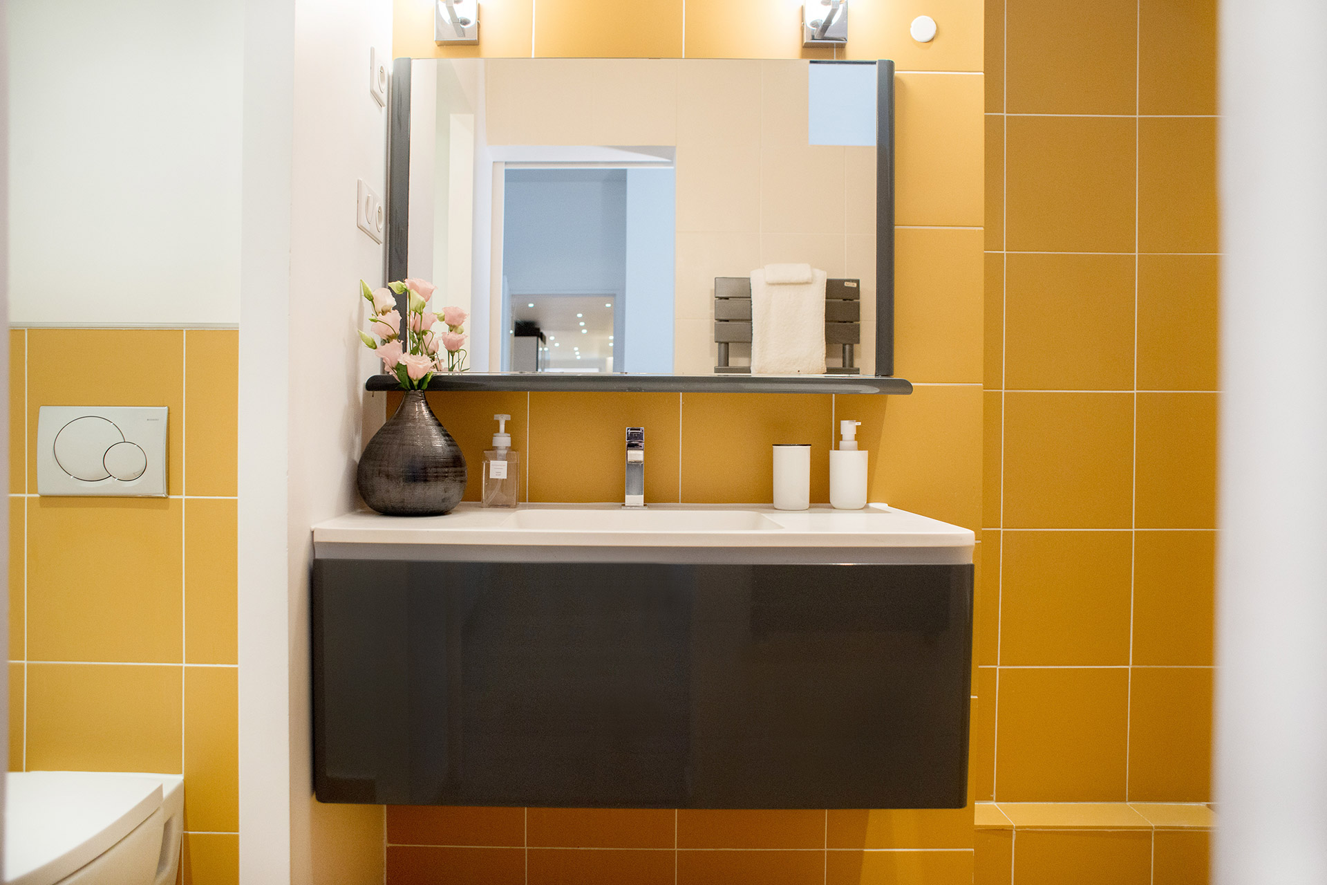 Sink in en suite bathroom 1 of the Monplaisir vacation rental by Paris Perfect