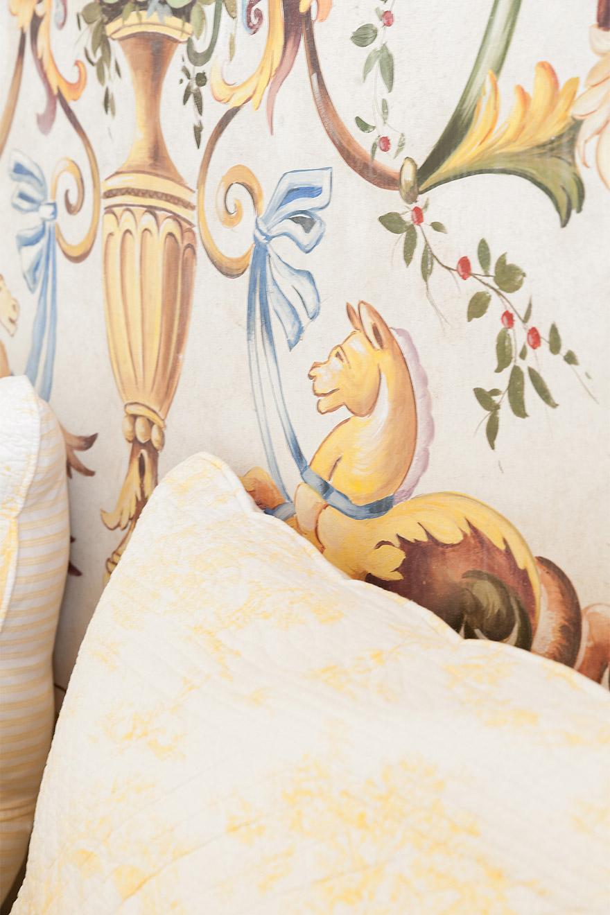 Raffaellesco bed head - Moselle Apartment Paris