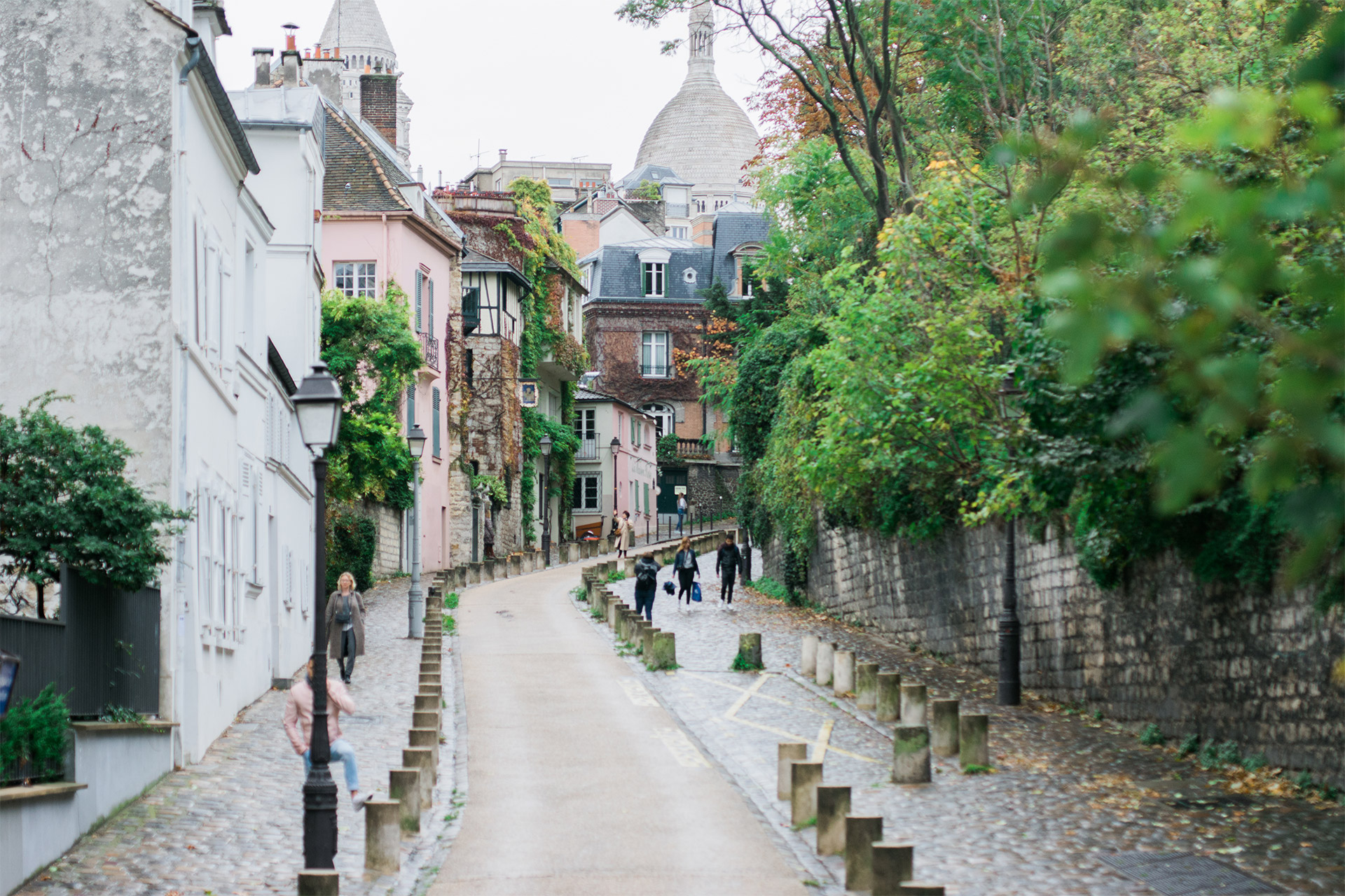 Explore the artistic heart of Paris in Montmartre