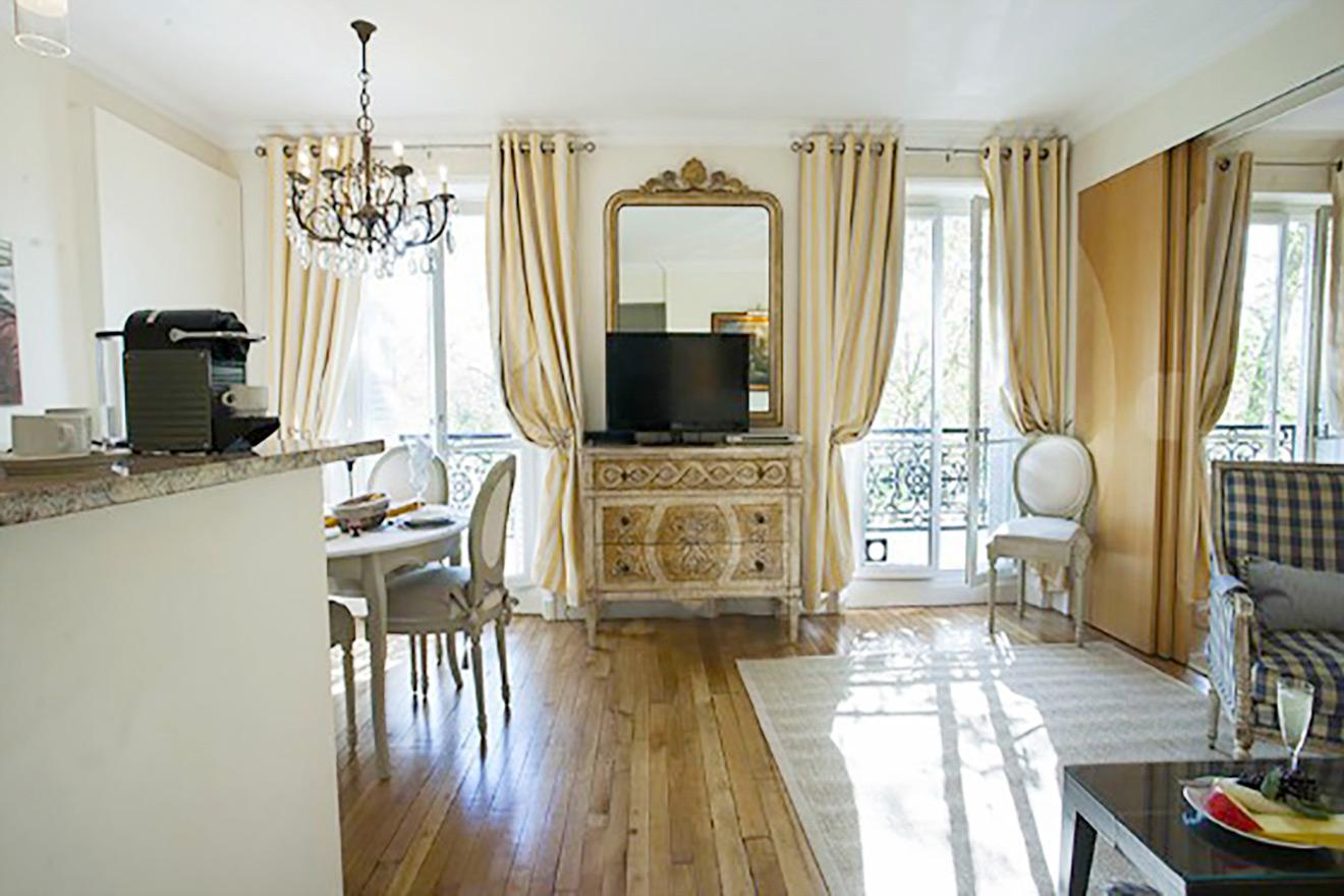 Saint Julien Living Room