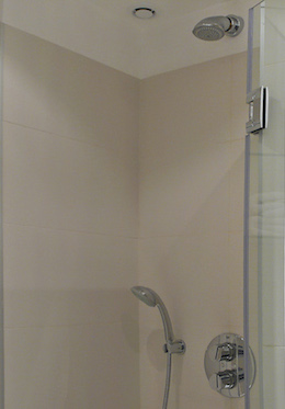 En suite shower in the Calvados vacation rental offered by Paris Perfect