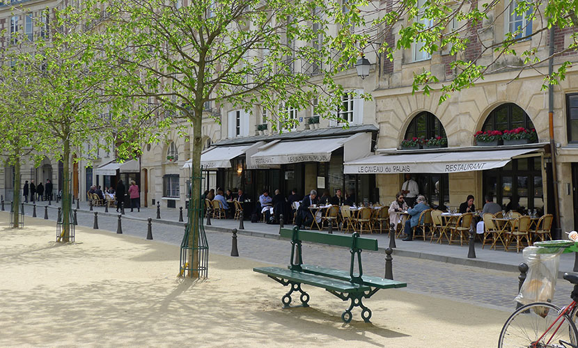 Peaceful moments in Place Dauphine