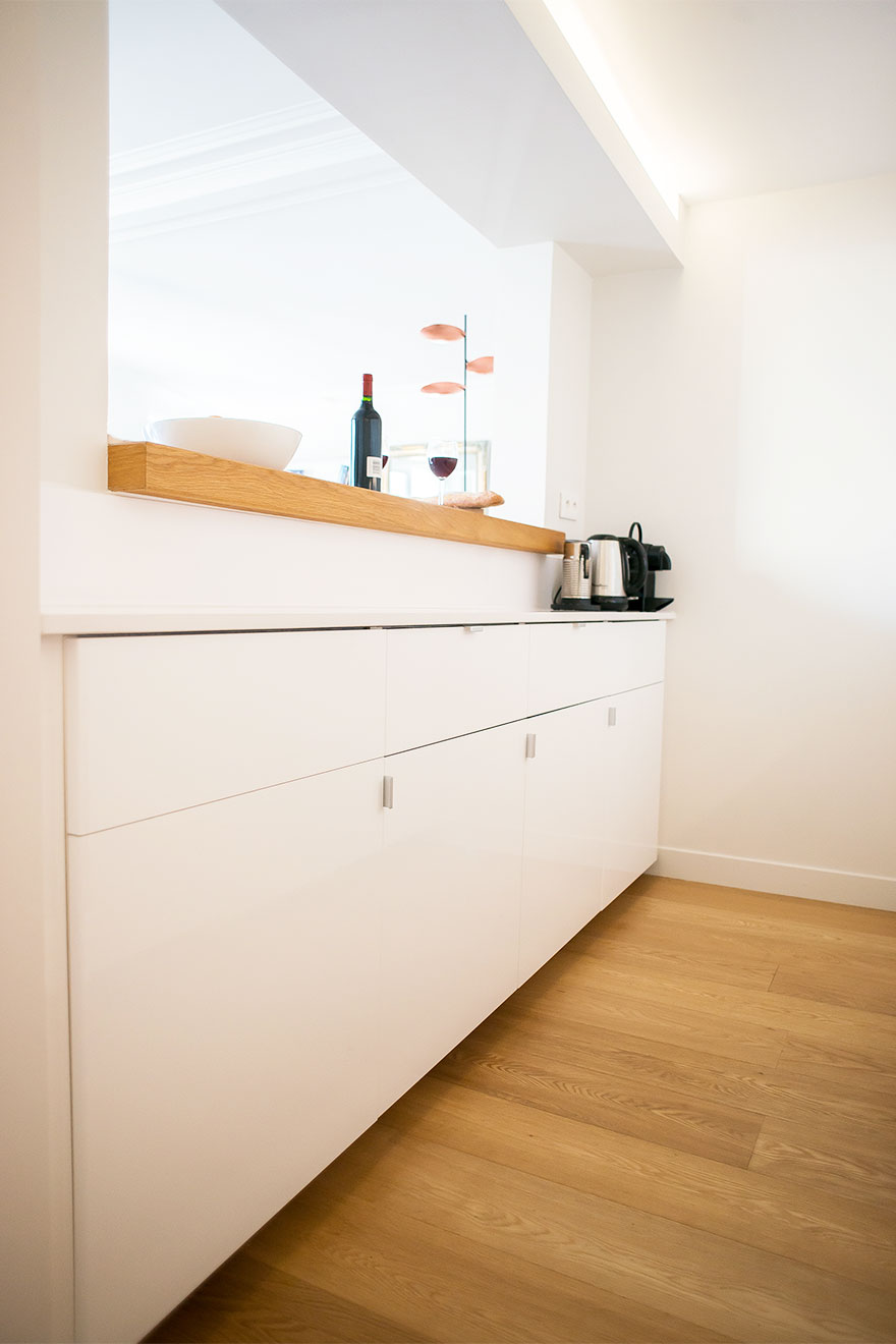 Clean modern lines in the kitchen at Saint-Bris Paris Perfect vacation rental