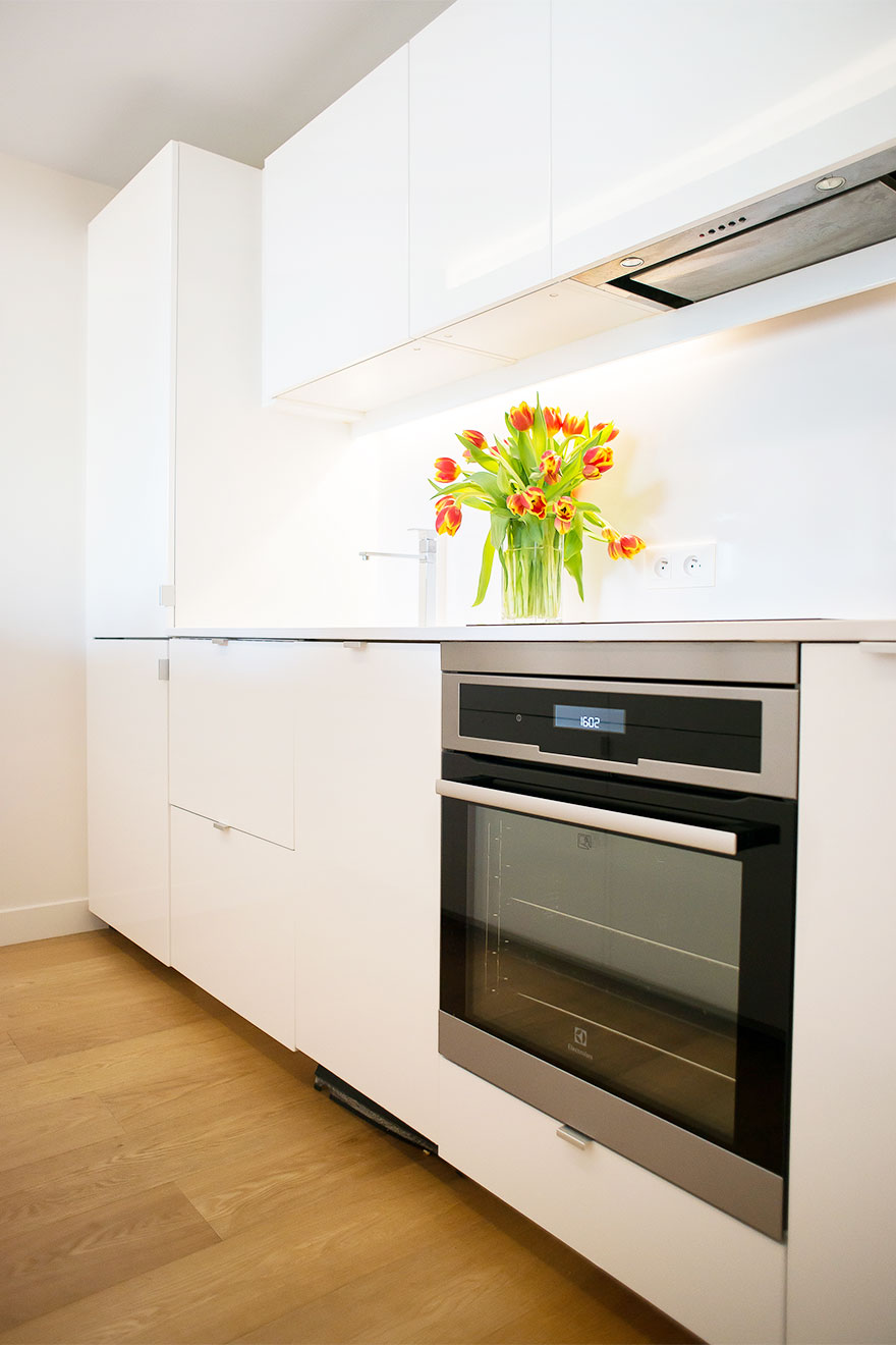 Kitchen is fully equipped with everything you need at the Saint-Bris vacation rental