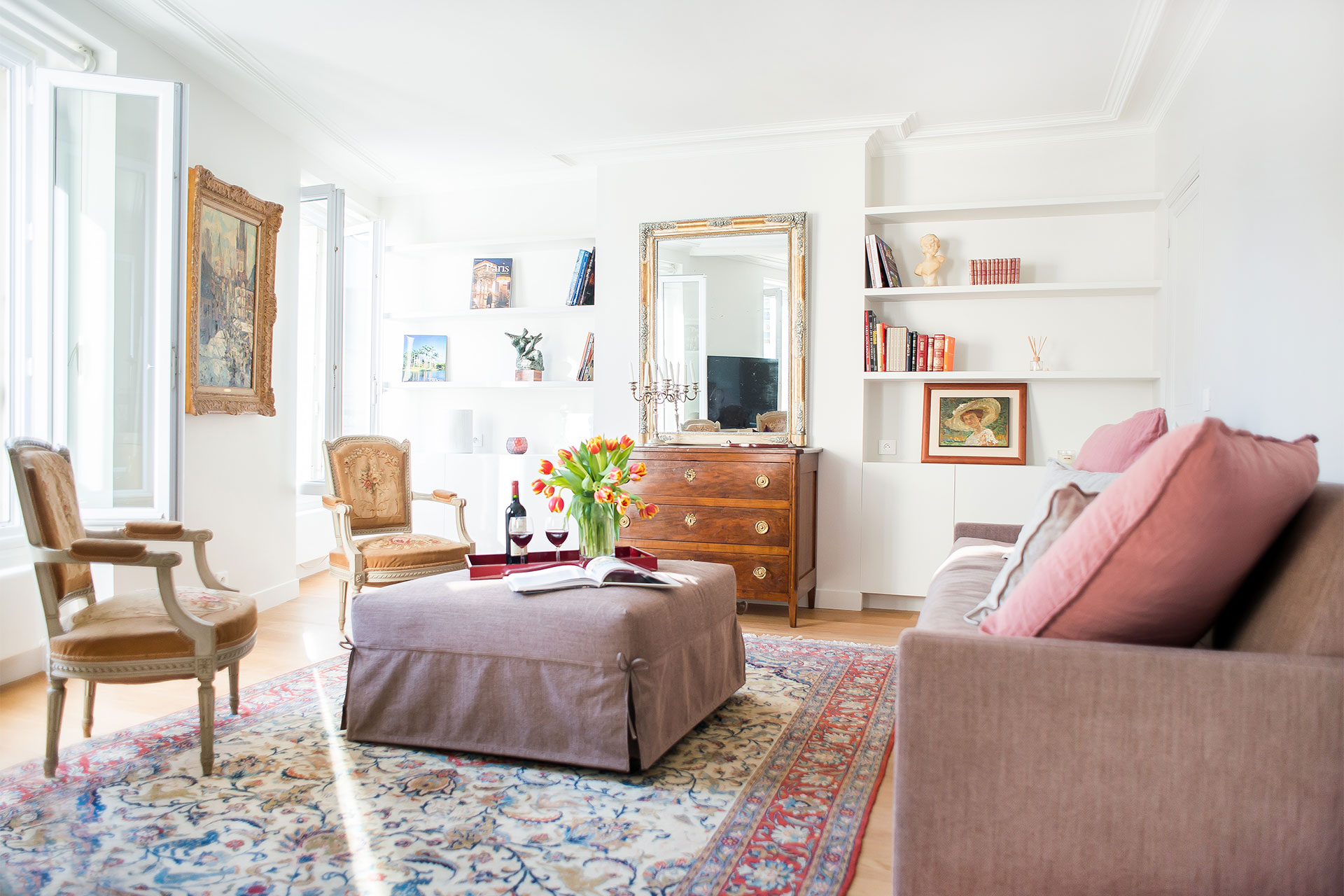 Welcome to the elegant Saint-Bris Paris rental offered by Paris Perfect