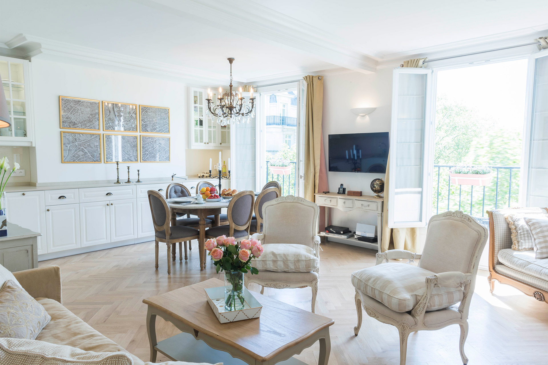 Light and open dining and living area of the Saint Emilion vacation rental offered by Paris Perfect