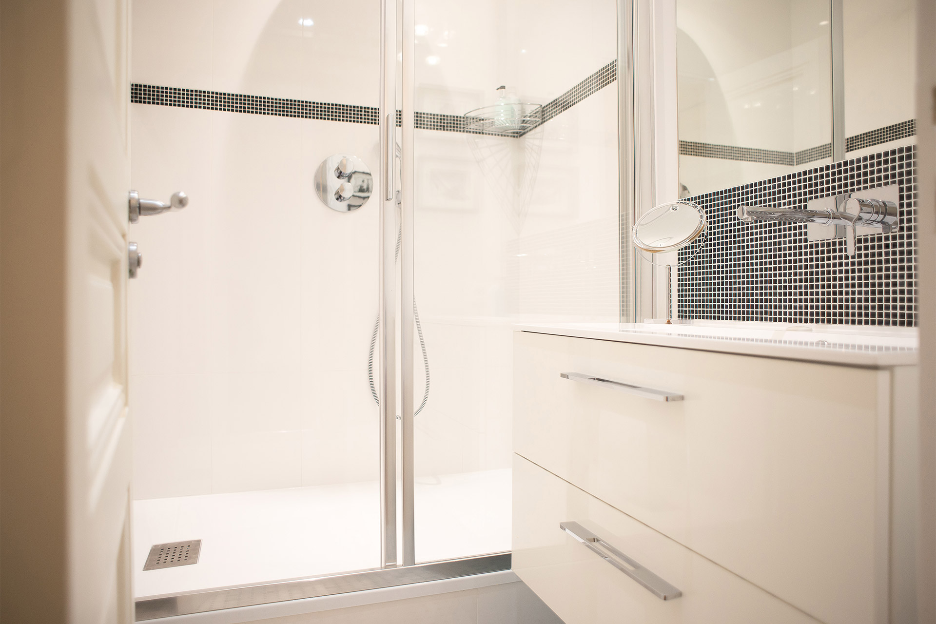 Bathroom one with large shower and sink in the Saint Emilion vacation rental offered by Paris Perfect