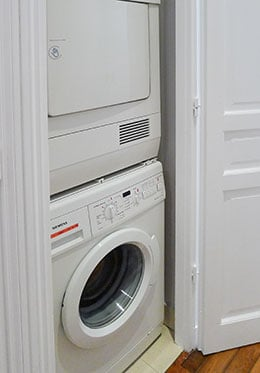 Separate washer and dryer in the Cognac vacation rental offered by Paris Perfect