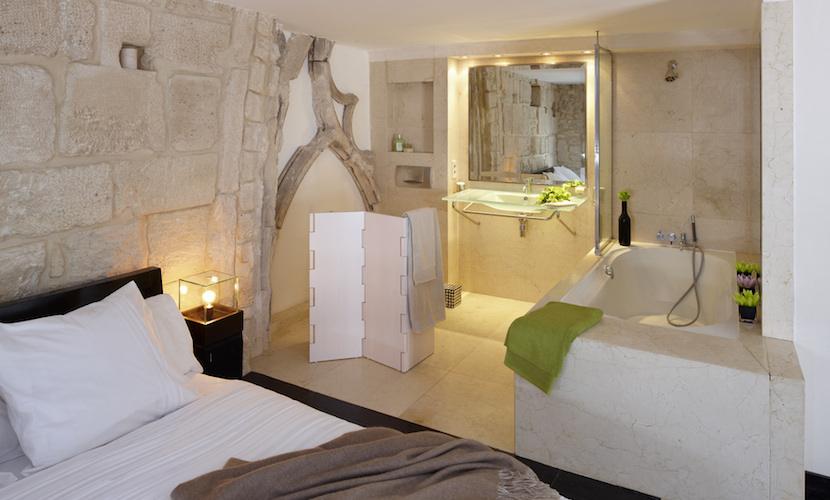 Vs Master Bathroom En Suite: Luxurious 3 Bedroom Vacation Rental In Saint-Germain