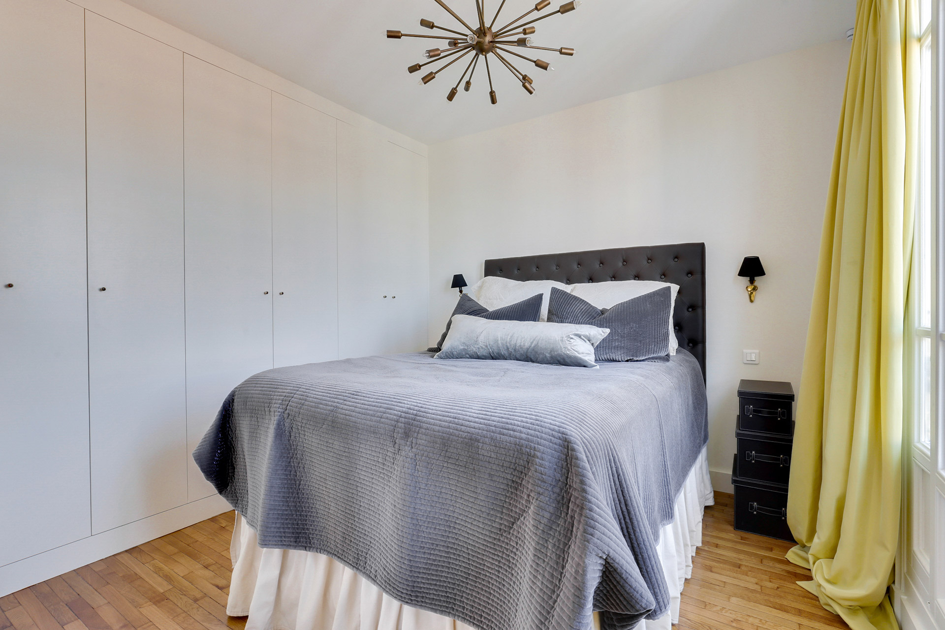 This wonderful bedroom, perfect for spending your nights in the Vivarais vacation rental by Paris Perfect