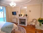 French Bedroom - La Grande Dame Paris Vacation Apartment