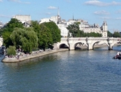 Paris Rental near Seine River