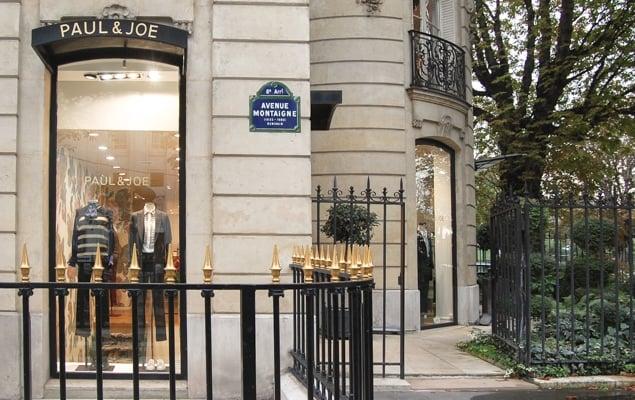chanel paris avenue montaigne opening hours